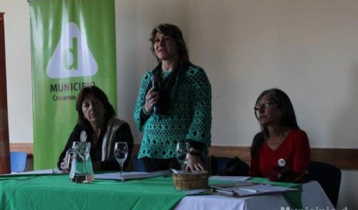 La Alcaldesa Sandra Nedov, la Profa. Elena Ponte y Graciela Gómez