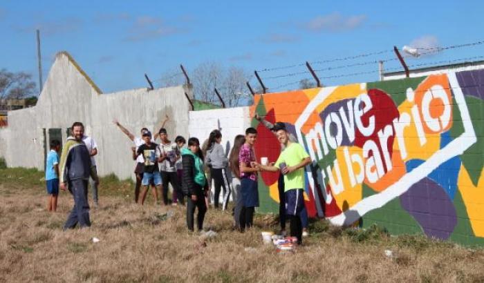 Mural - Mové tu barrio