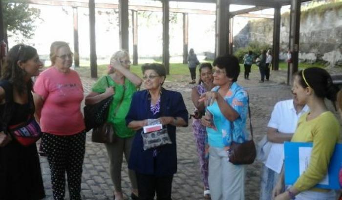 integrantes de la red de visita en el Museo de las Migraciones