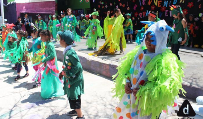 bailes a cargo de los/as alumnos/as de la Escuela