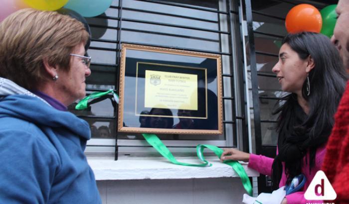 Descubrimiento de la placa en honor a Hugo Burgeño