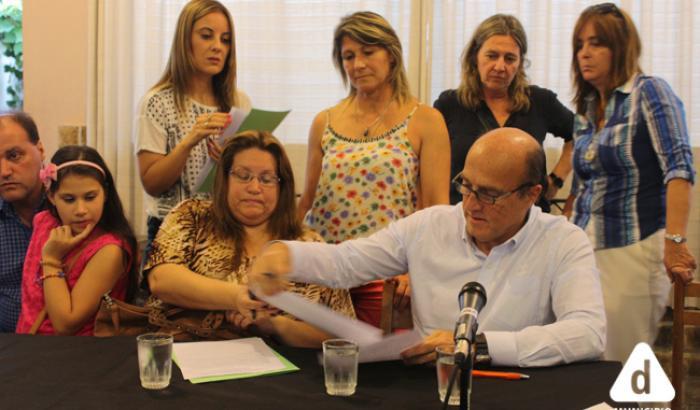 firma de convenios para la refacción de viviendas
