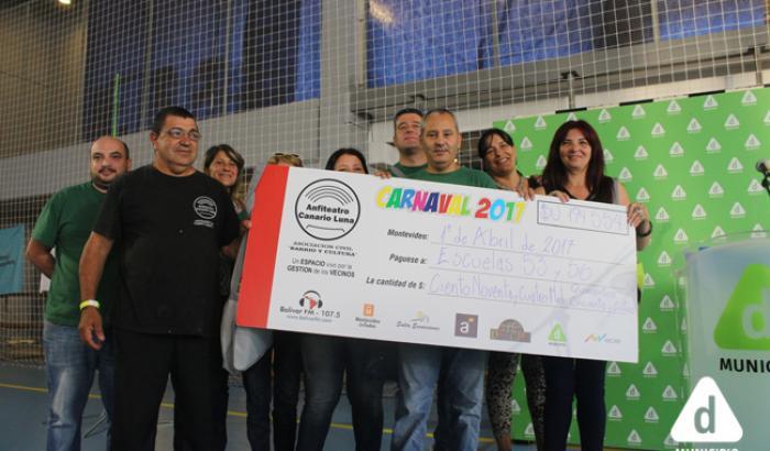 Entrega de la donación del Anfiteatro Canario Luna a las Escuelas Nº53 y 56