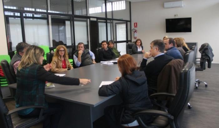 comerciantes y autoridades reunidas