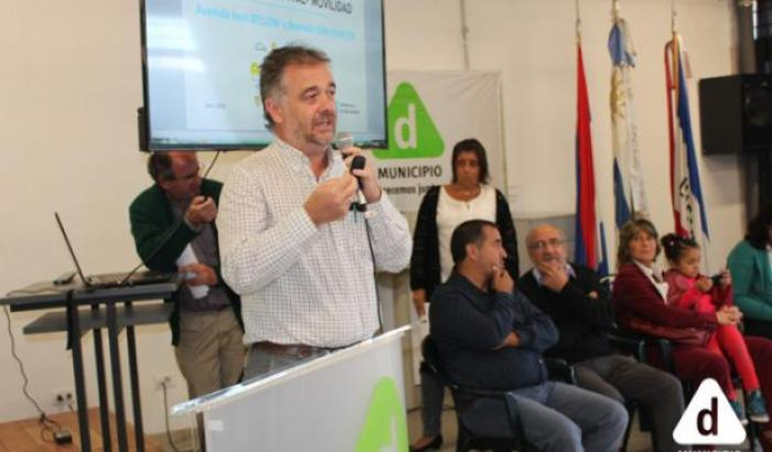 Presentaciones de proyectos departamentales. Pablo Inthamoussu