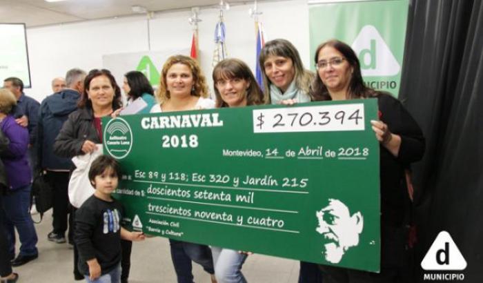 Entrega del cheque a tres centros educativos por parte del Anfiteatro Canario Luna